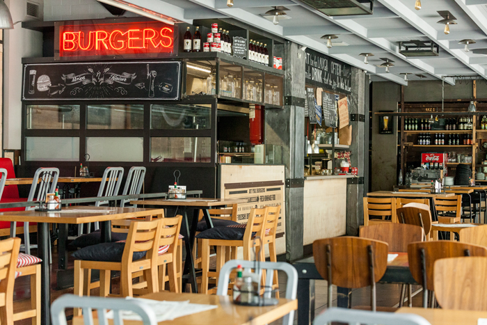 Pax Homemade Burgers Klapothaki store interior