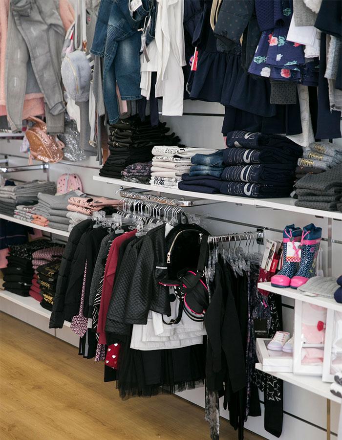 ecf186a1a4dd ... τους είναι της μόδας τα τελευταία χρόνια και αρέσει πολύ και στο  Ουράνιο Τόξο. Η μοναδική συλλογή ρούχων τους θα εντυπωσιάσει και εσάς και  το παιδί σας.