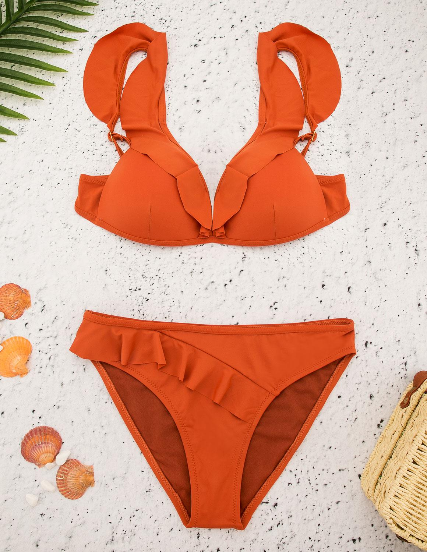 95bf4b03f08 Το bikini είναι ο τύπος μαγιό που μπορεί να του απονεμηθεί ο τίτλος  «βασίλισσα της παραλίας», διότι κάθε καλοκαίρι έχει κυρίαρχο ρόλο στις  διακοπές μας και ...